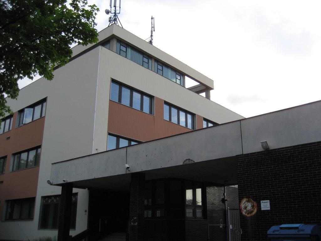 Kanceláře k pronájmu: Přerov, Šířava - exteriér 3